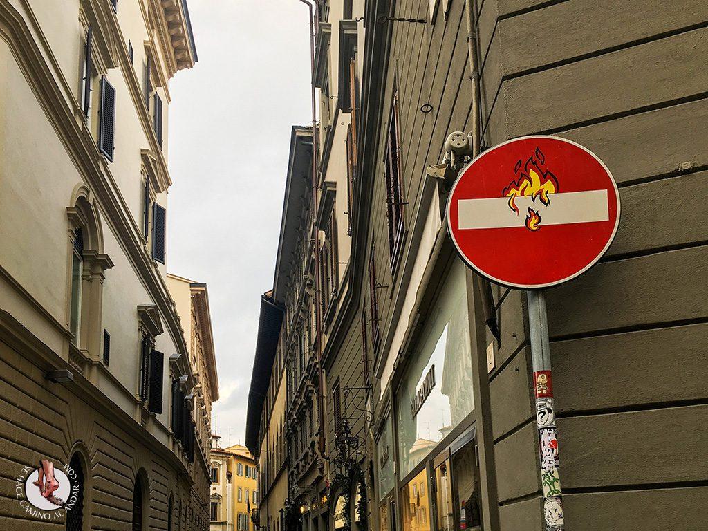 señal prohibido fuego