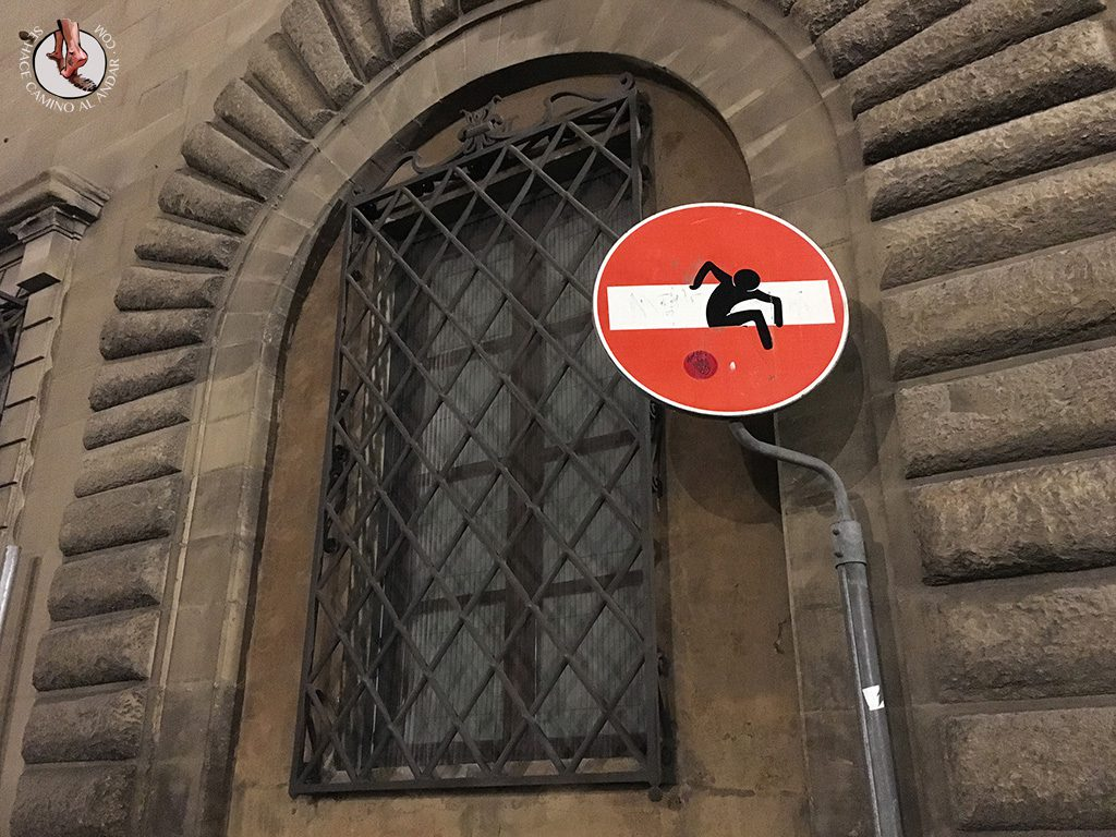 señal prohibido fuga