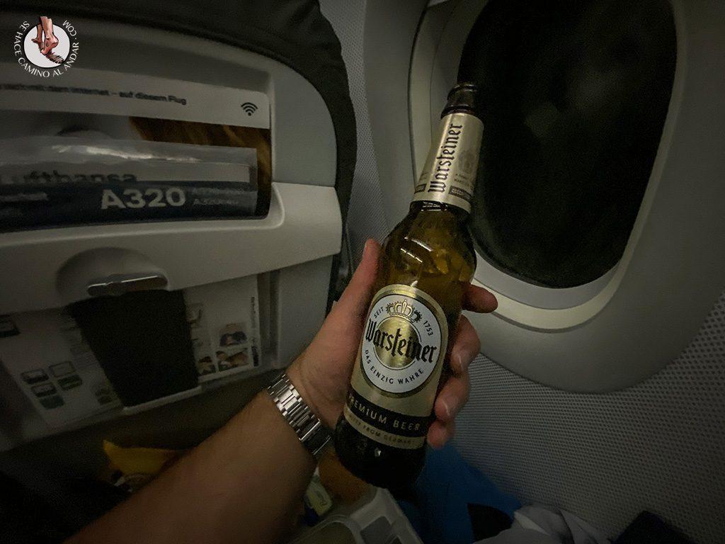 viajar a Islandia cerveza lufthansa