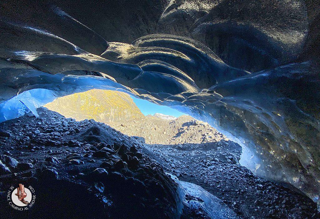 viajar a Islandia cueva de hielo