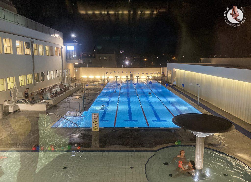 viajar a islandia piscina Sundhollin reikiavik