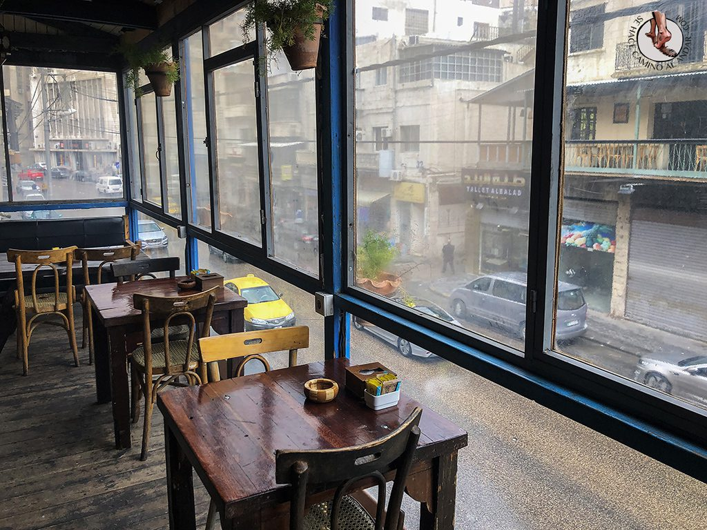 visitar amman Jafra Cafe terraza