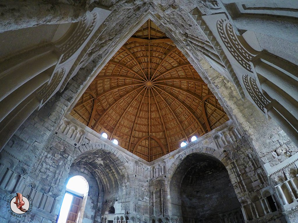 visitar amman un dia iglesia bizantina techo madera