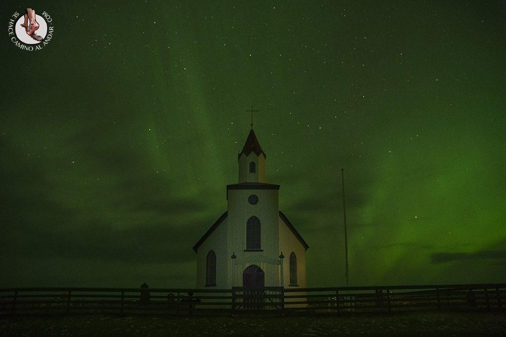 Aurora boreal cielo verde