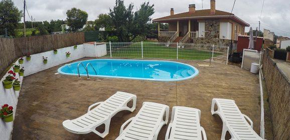 Casa Rural Los Nogales, con piscina exterior en La Rioja