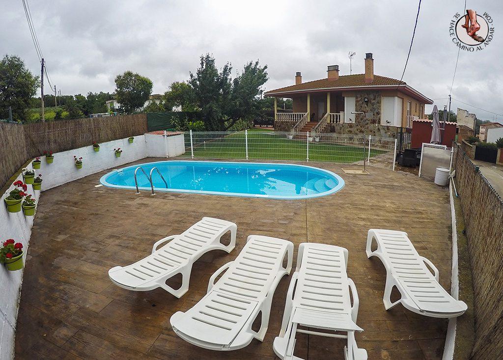 Casa Rural Los Nogales piscina exterior La Rioja