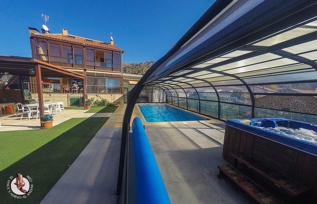 Casa Rural Zarzal piscinal climatizada jacuzzi Madrid