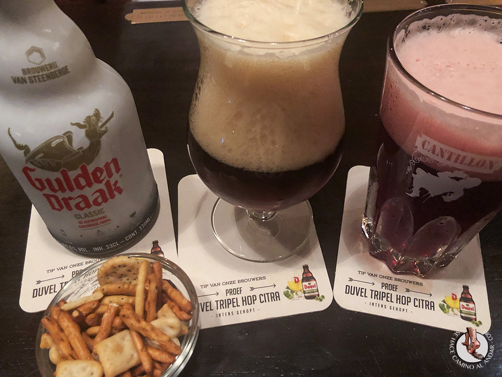 Cervecerias de Bruselas Poechenellekelder cerveza gulden draak