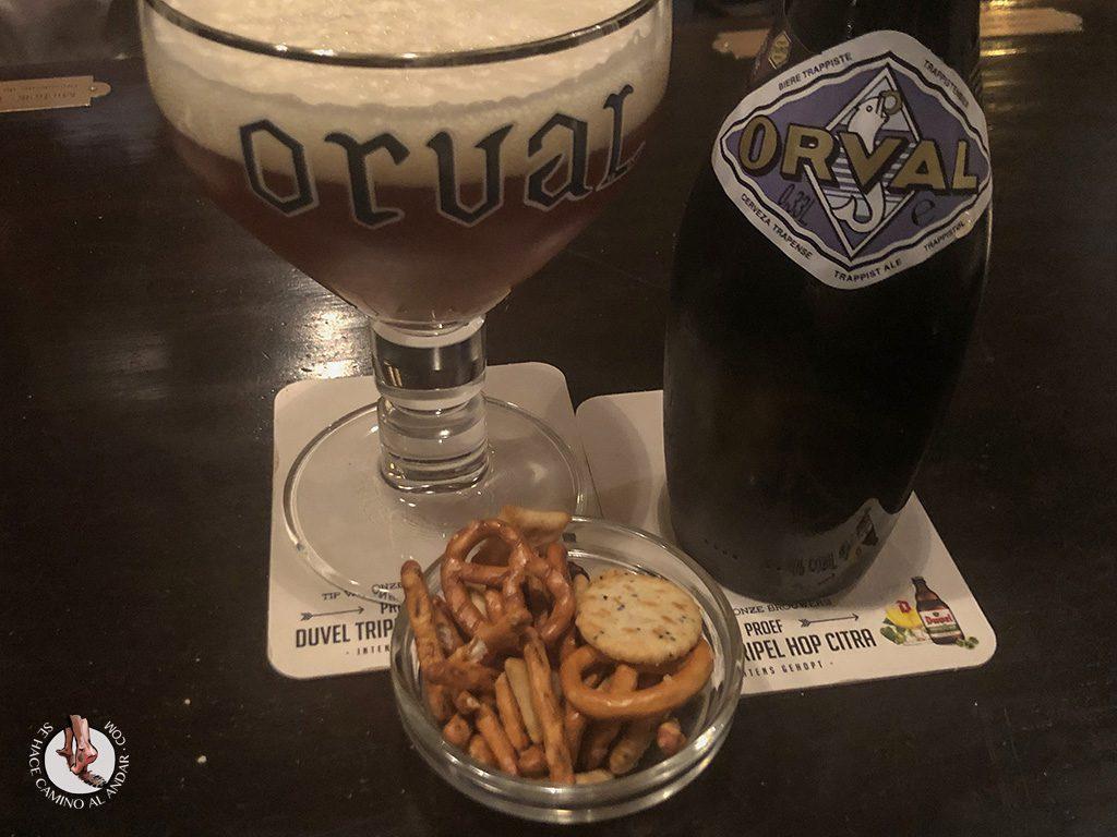 Cervecerias de Bruselas Poechenellekelder cerveza orval