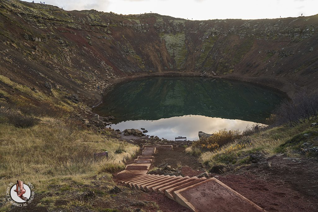 Circulo dorado Crater Kerid escaleras