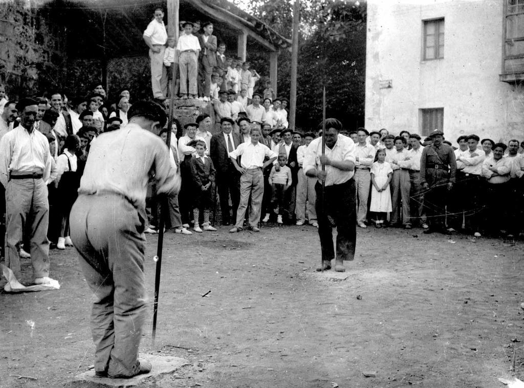 Deportes rurales vascos Herri Kirolak barrenador harri zulatzaile