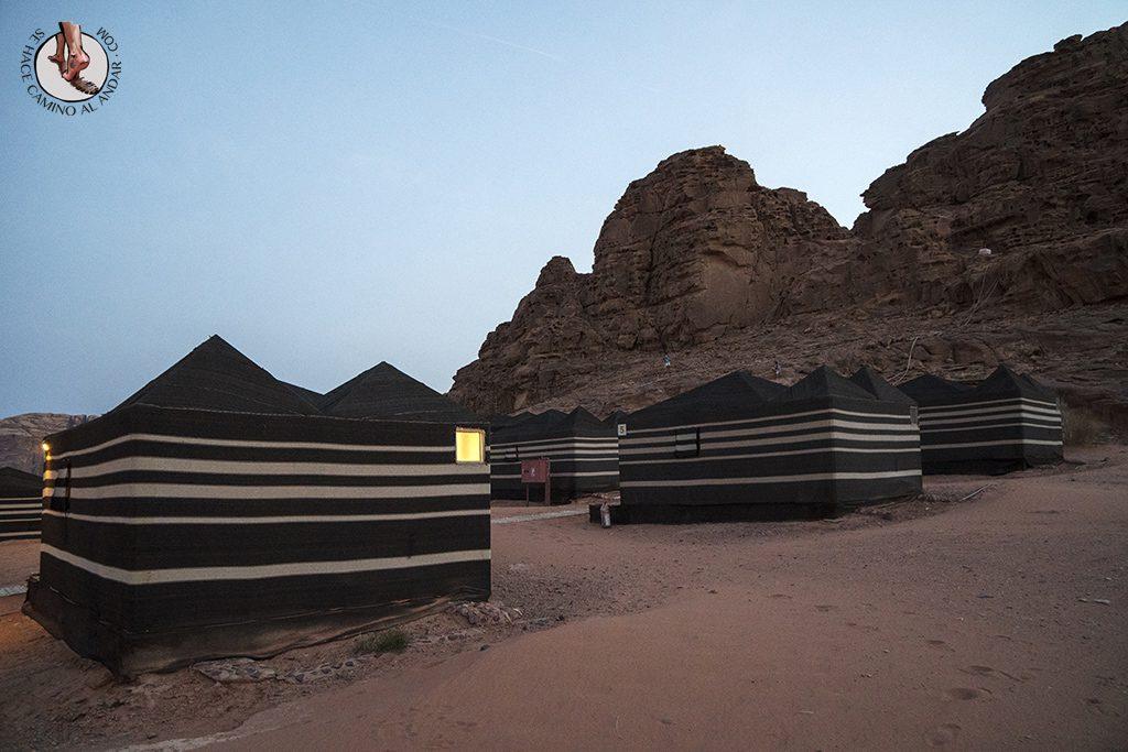 Dormir en el desierto de Jordania haima standard