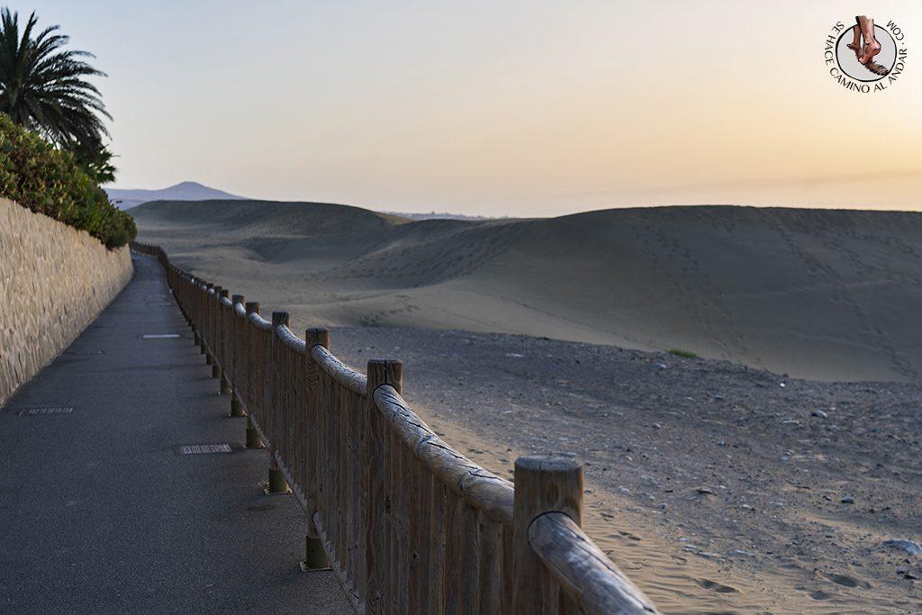 Dunas de Maspalomas desierto Gran Canaria barandilla
