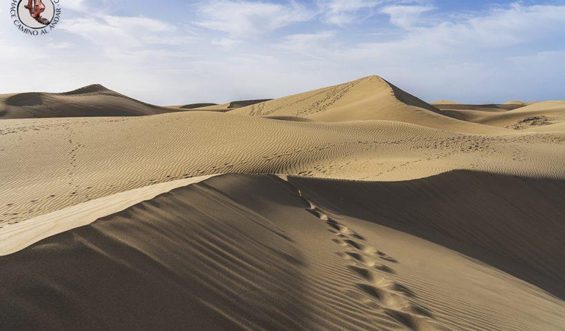 Dunas de Maspalomas desierto Gran Canaria pisadas