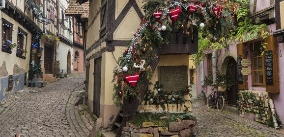 """Eguisheim, pueblo amurallado con el """"Pigeonnier"""" más famoso de Alsacia"""
