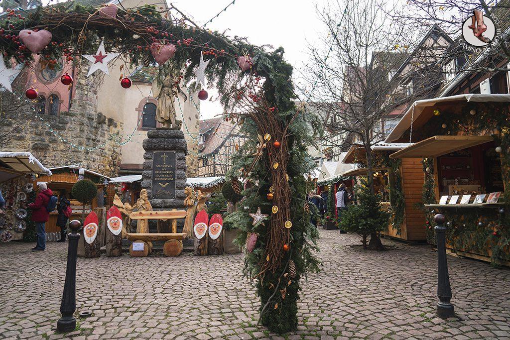 Eguisheim mercado navidad puerta