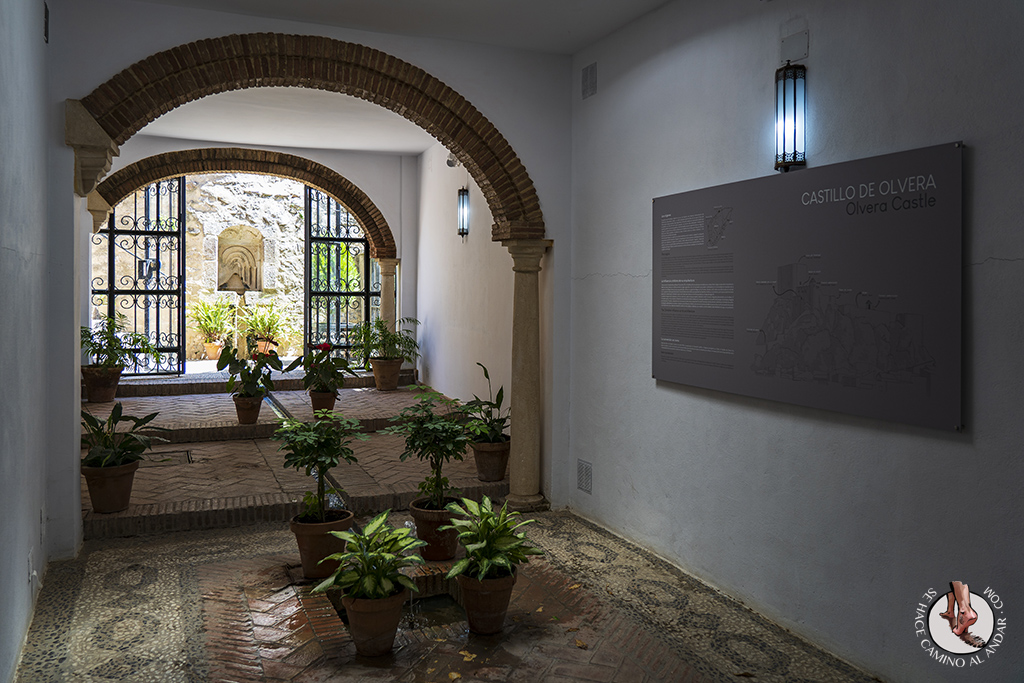 Entrada castillo Olvera