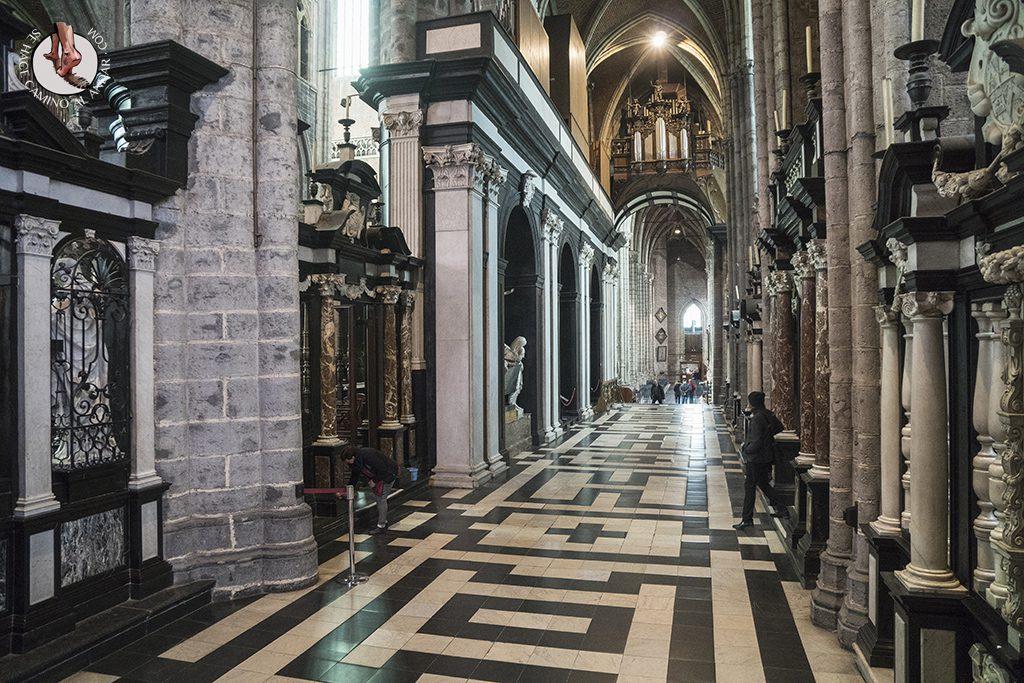 Gante catedral san bavon pasillo marmol