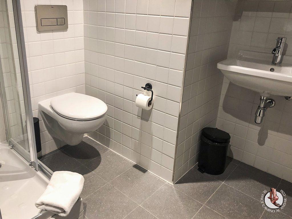 Hostel barato en Madrid Generator bano privado