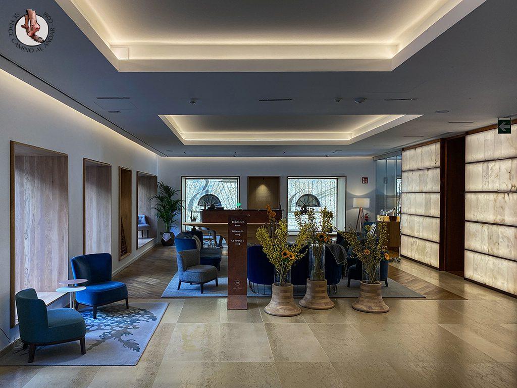 Hoteles San Sebastian Lasala Plaza Hotel recepcion