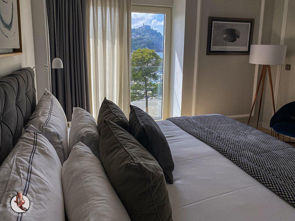 Hoteles San Sebastian Lasala Plaza Hotel terraza vistas cama