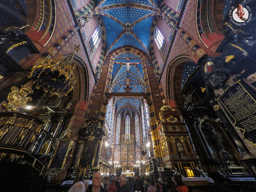 Interior Basílica Santa María Cracovia