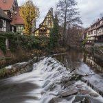 Kaysersberg, pueblo de Alsacia atravesado por un río y a la sombra del Castillo