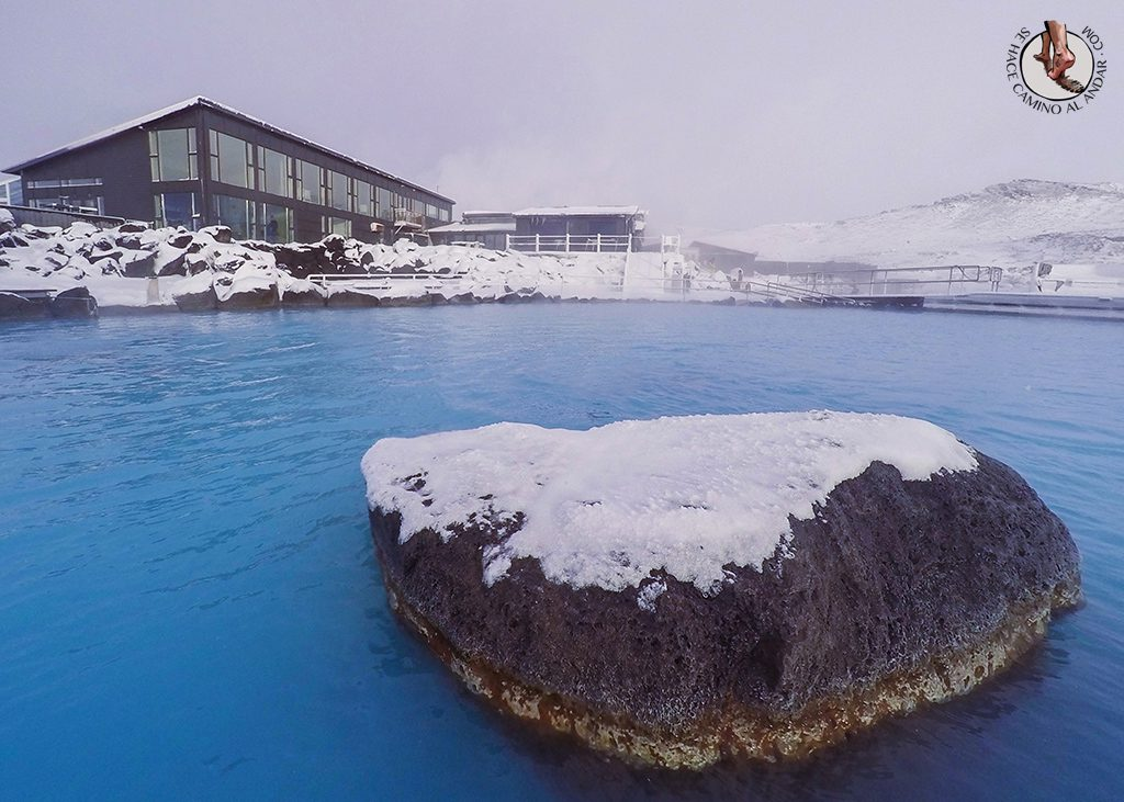 Myvatn Nature Baths piedra nieve
