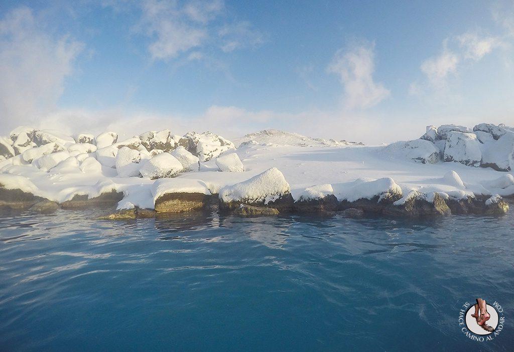 Myvatn Nature Baths piedras nieve