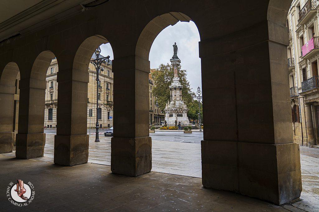 Pamplona Monumento a los Fueros