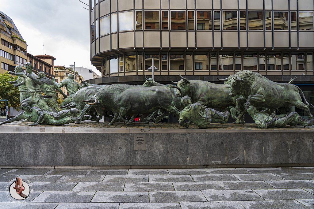que ver en Pamplona monumento al encierro