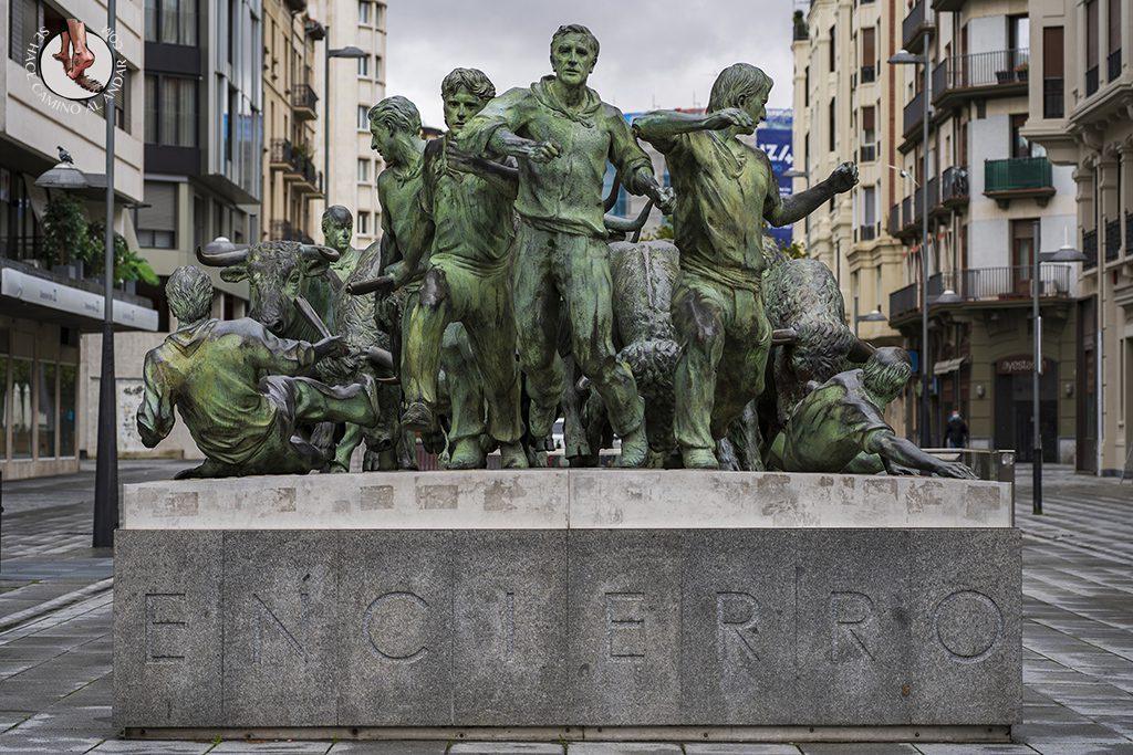 Pamplona monumento encierro