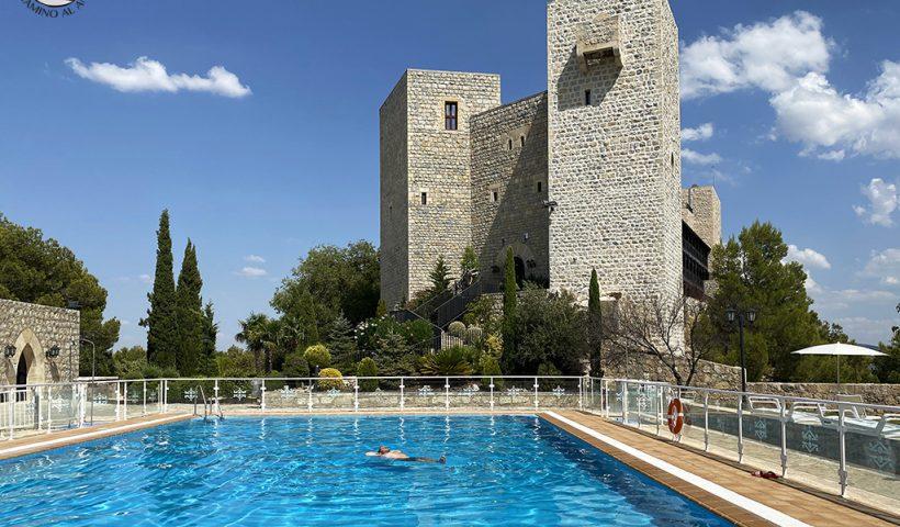 Parador Jaen castillo piscina