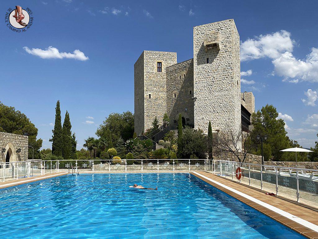 Parador Jaén dormir en un castillo con piscina