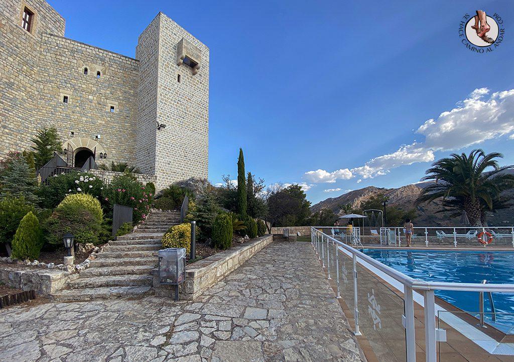 Parador jaen castillo con piscina