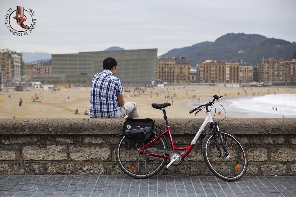 Playas San Sebastian Zurriola Bici