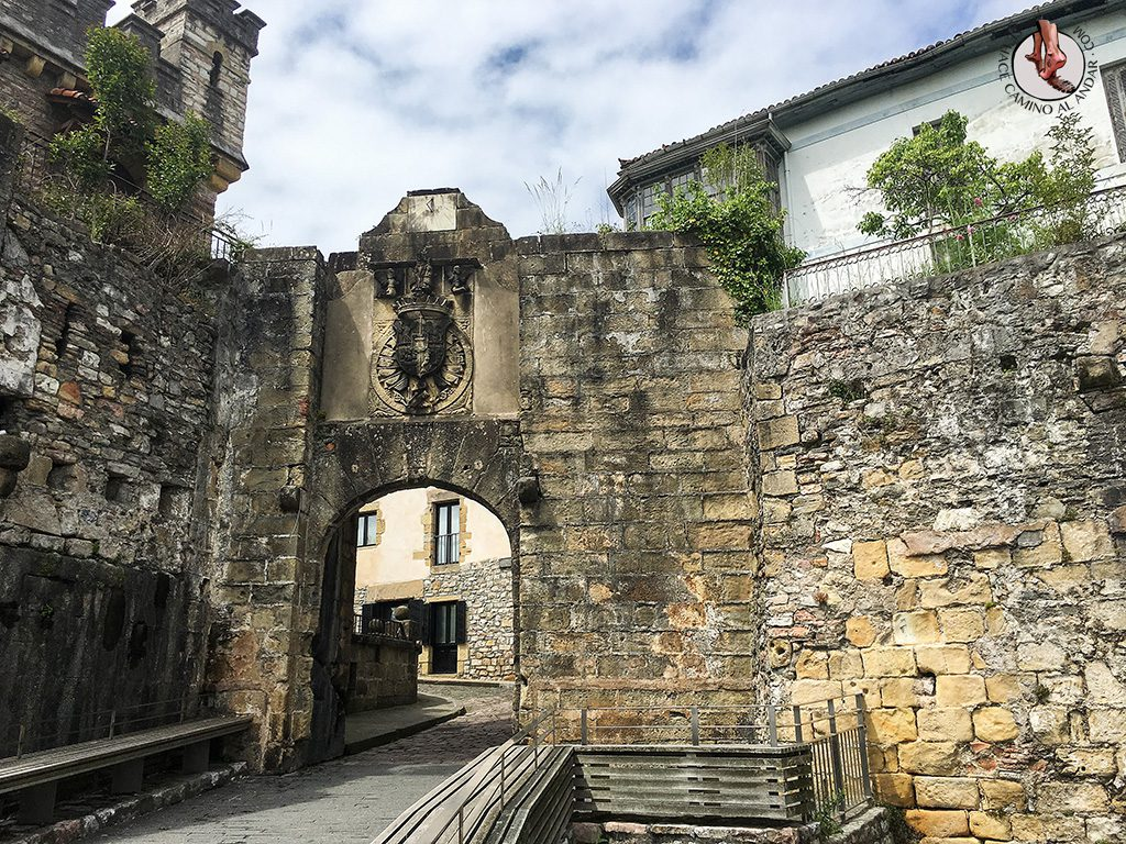 Puerta Santa María Hondarribia