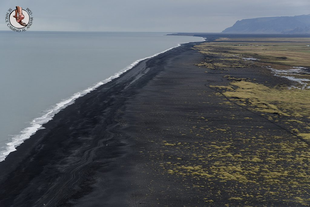 Ring Road 2-7 Dyrholaey playa negra