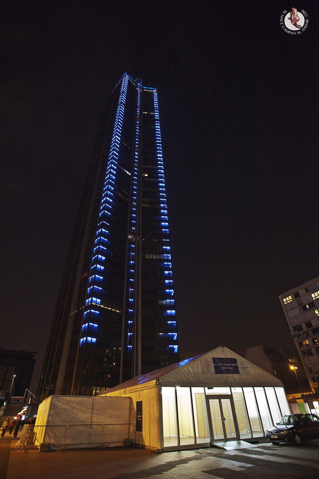 Torre Montparnasse noche
