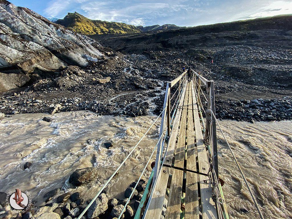 Trekking glaciar Virkisjokull puente colgante