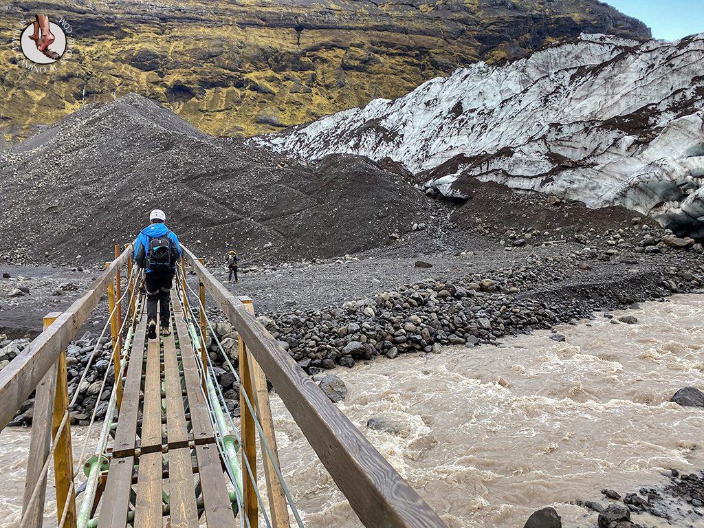 Trekking glaciar Virkisjokull puente