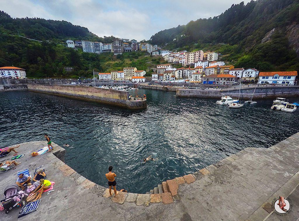 Vistas Elantxobe desde puerto