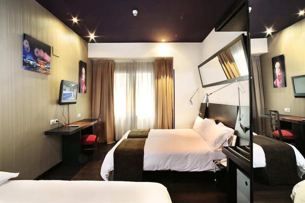 alojamiento madrid Hotel Avenida Gran Via
