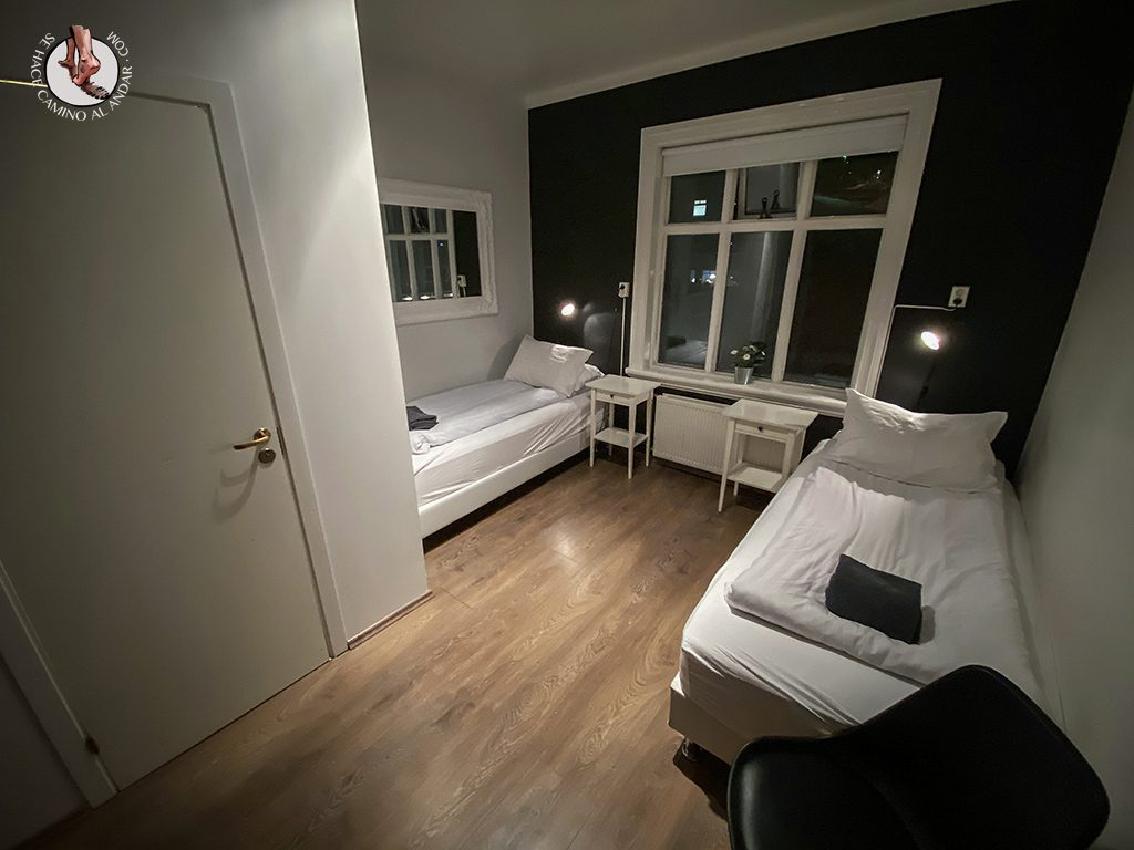 dormir en Akureyri apotek ghesthouse habitacion