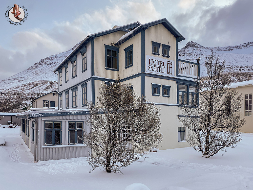 dormir en seydisfjordur hotel snaefell edificio