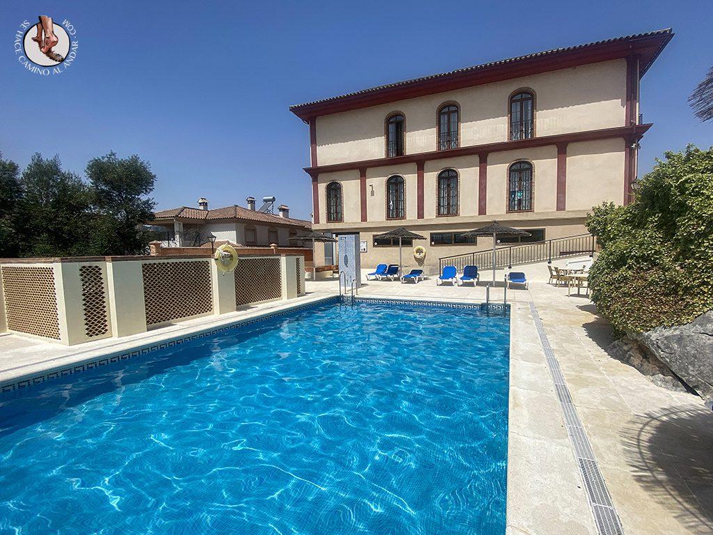 ubrique hotel sierra edificio piscina