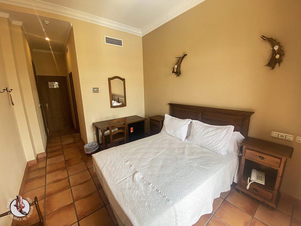 dormir en ubrique hotel sierra habitacion