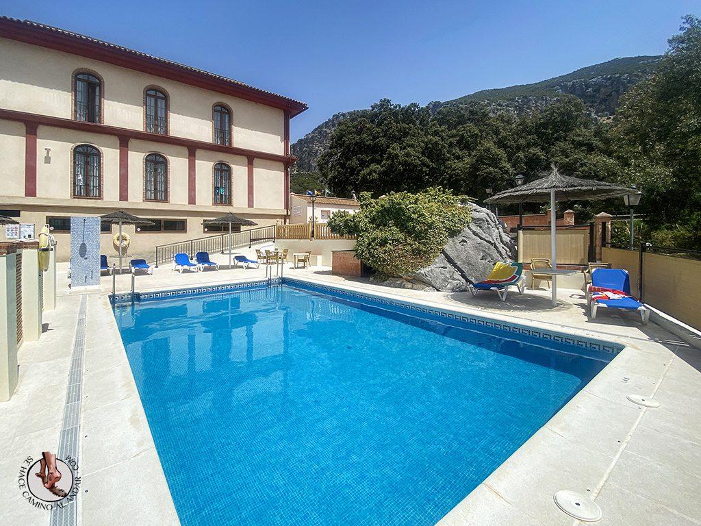 ubrique hotel sierra piscina verde