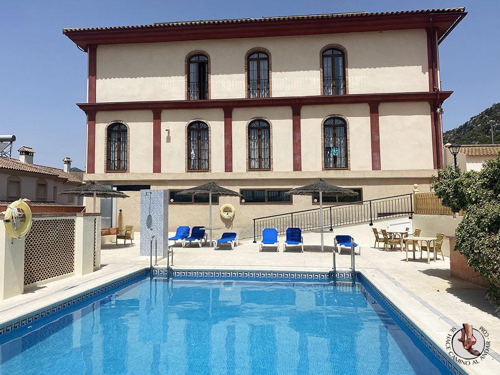 dormir en ubrique hotel sierra piscina