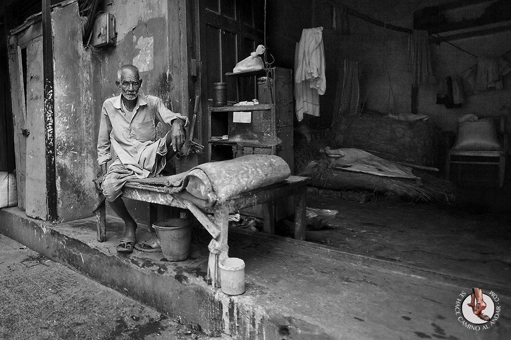 Espera sentado India